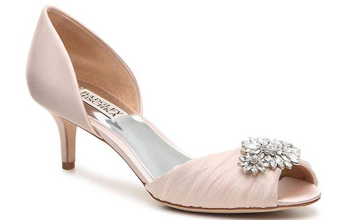 04ec74f45 تعرفي علي ألوان حذاء العروس في 2018 | بوابة أخبار اليوم الإلكترونية