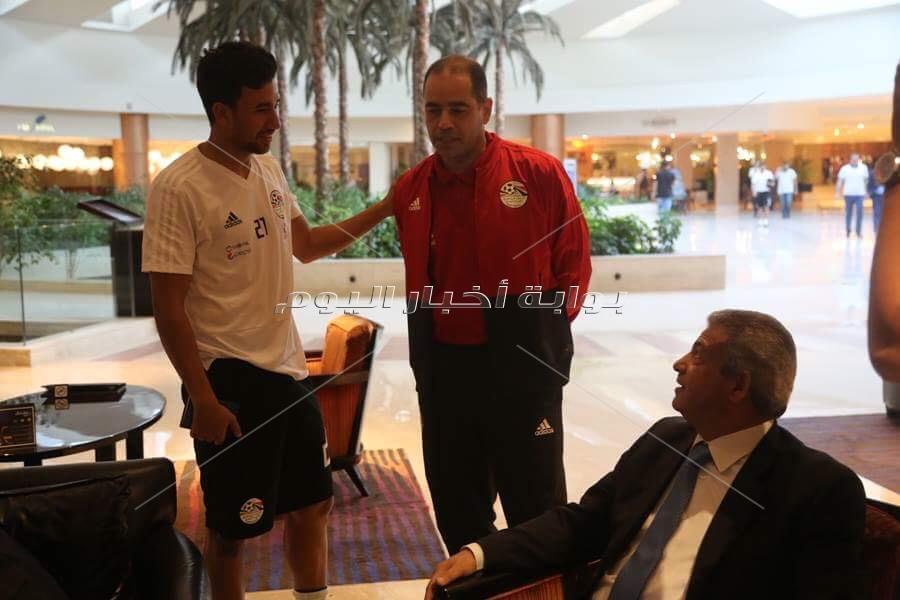 وزير الرياضة يلتقي لاعبي المنتخب والجهاز الفني