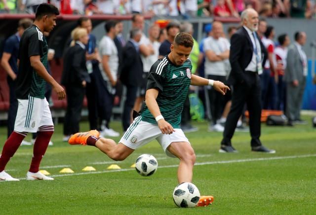 ألمانيا تجري عمليات الإحماء قبل مباراة المكسيك