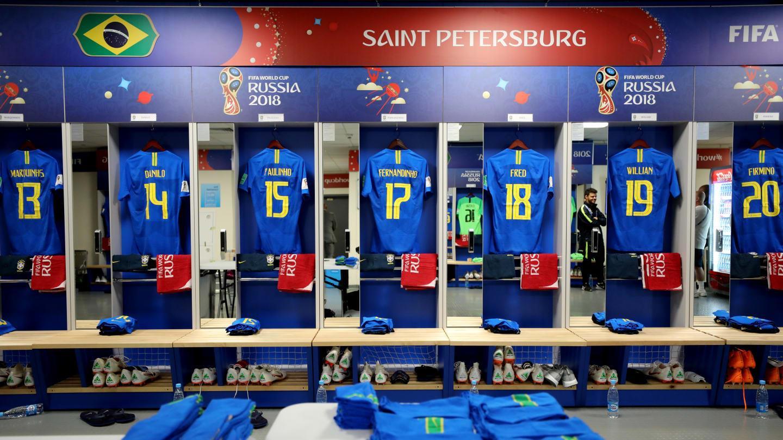 روسيا 2018 | بالصور وصل لاعبو منتخبي البرازيل وكوستاريكا لارضية الملعب واجراء عملية الاحماء