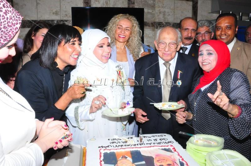 تكريم رشوان توفيق ومديحة حمدي في مجلس الإعلاميين الدوليين