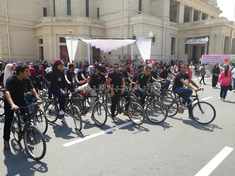 احتفالات جامعة القاهرة في أول يوم دراسة