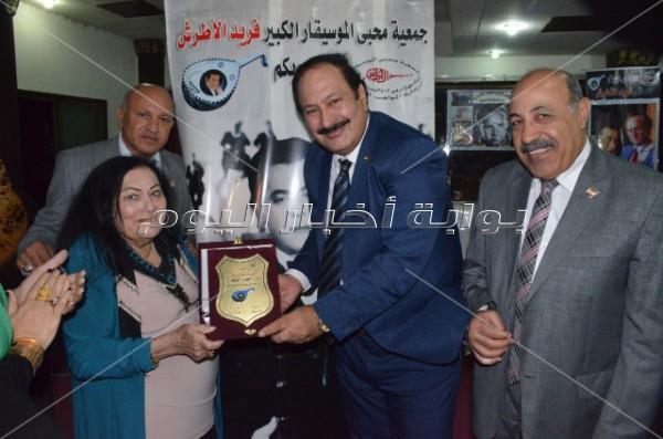 محبو فريد الأطرش تكرم مدير التصوير أحمد خورشيد
