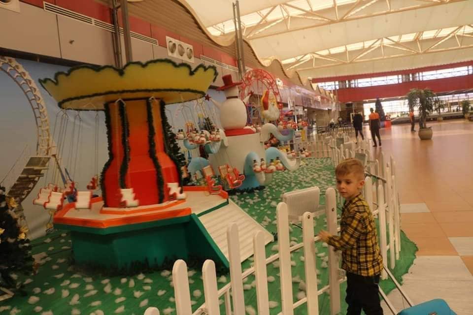 مطار شرم الشيخ الدولي يتزين إستعدادا لإستقبال الكريسماس