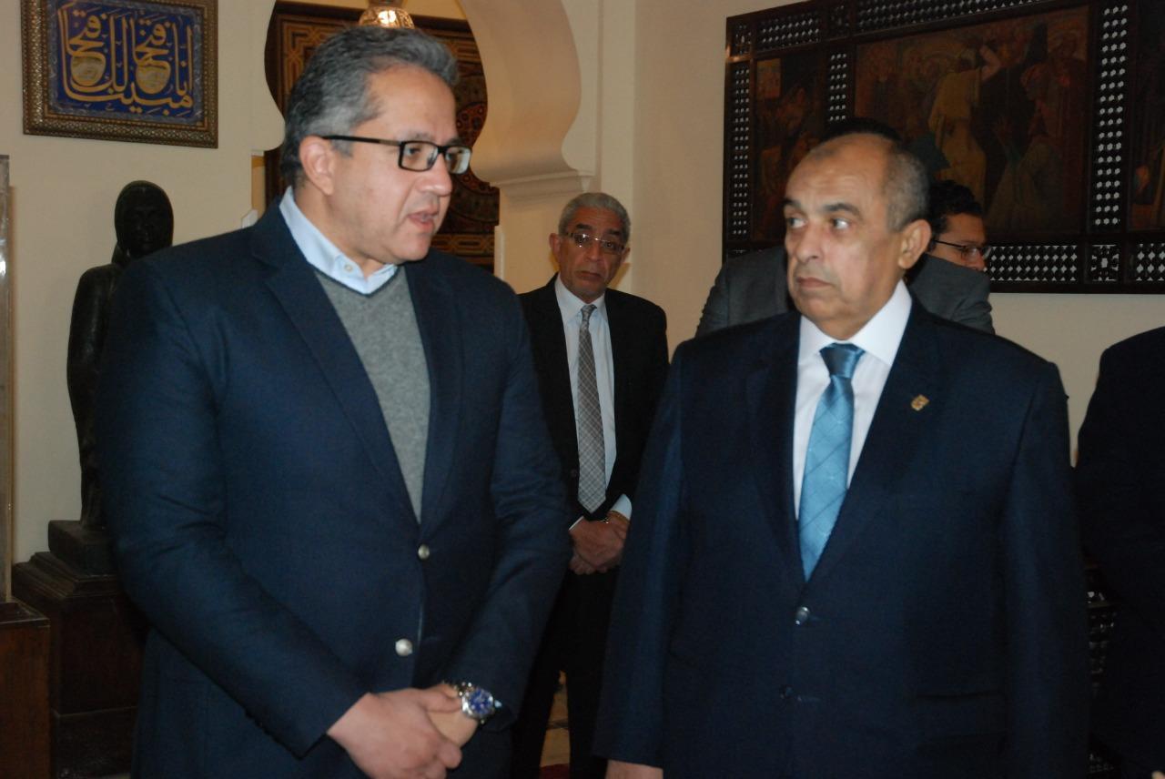 وزيرا الزراعة والآثار يتفقدان المتحف الزراعي بالدقي
