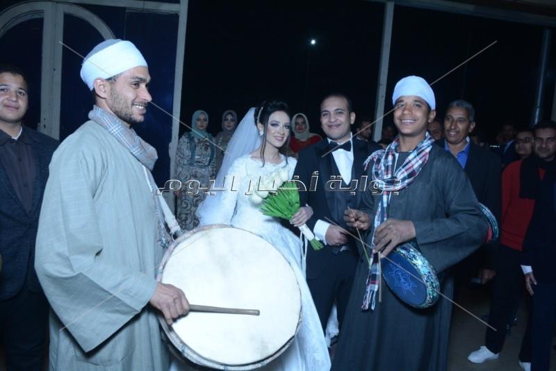 كارين نوالي وياسر عدوية يحيان حفل زفاف ابن شقيقة محمود الشريف