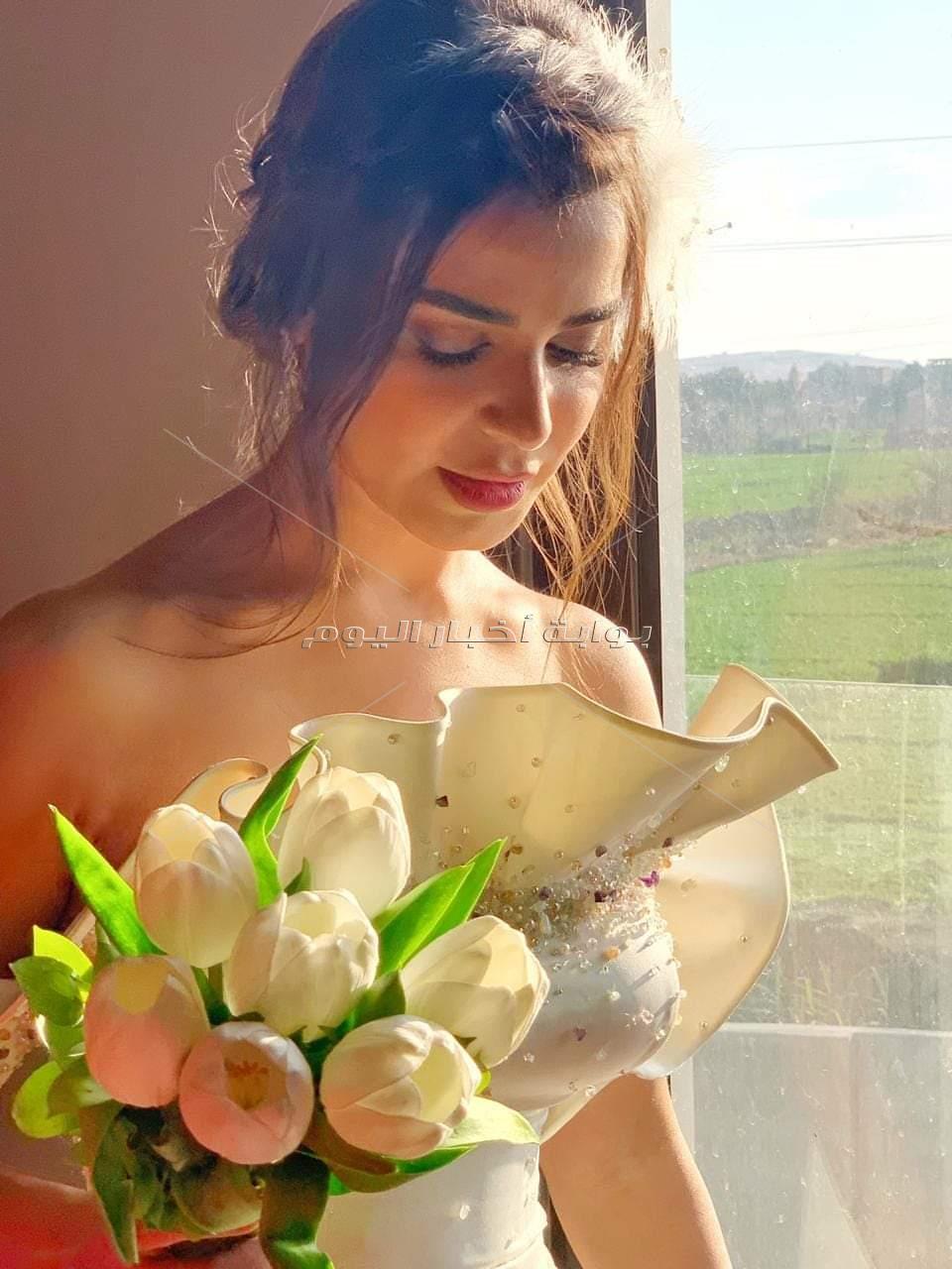 """بالصور.. """"رانيا منصور"""" بفستان الزفاف في مسلسل """"ابن أصول"""""""