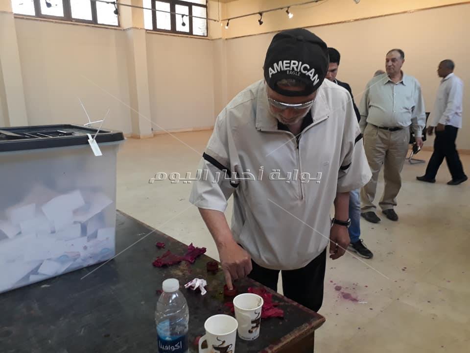 الفنان اشرف عبد الغفورالمشاركة في الاستفتاء حقك متفرطش فيه