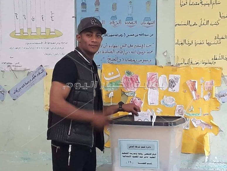 الفنان محمد رمضان يصوت على التعديلات الدستورية