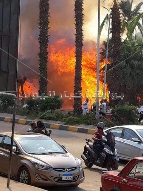 عاجل .. صور حريق هائل داخل حديقة بشارع الهرم