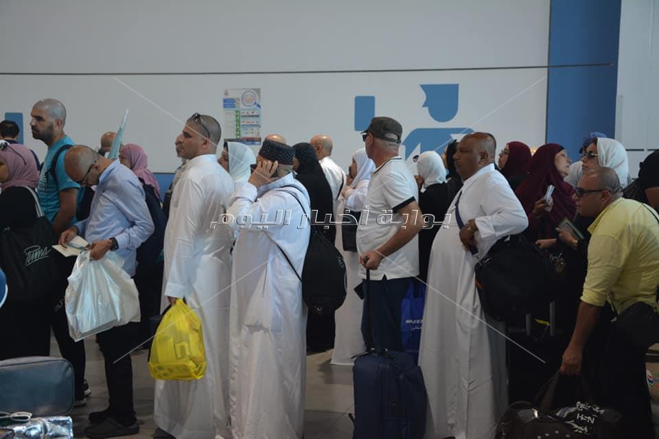 مطار القاهرة يستقيل 900 حاجا من جدة اليوم