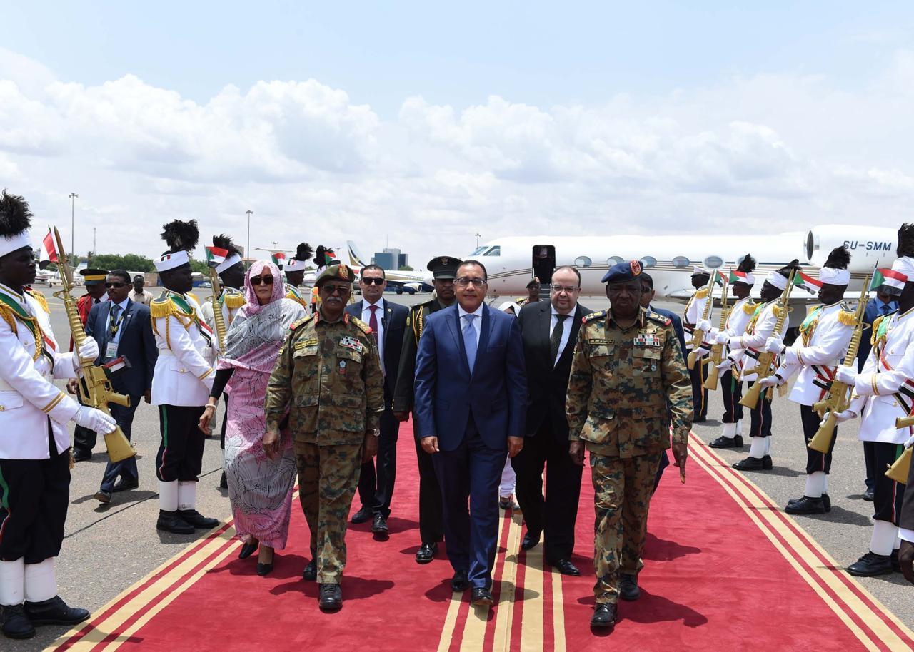 مشاركة رئيس الوزراء في مراسم توقيع الوثيقة الدستورية السودانية