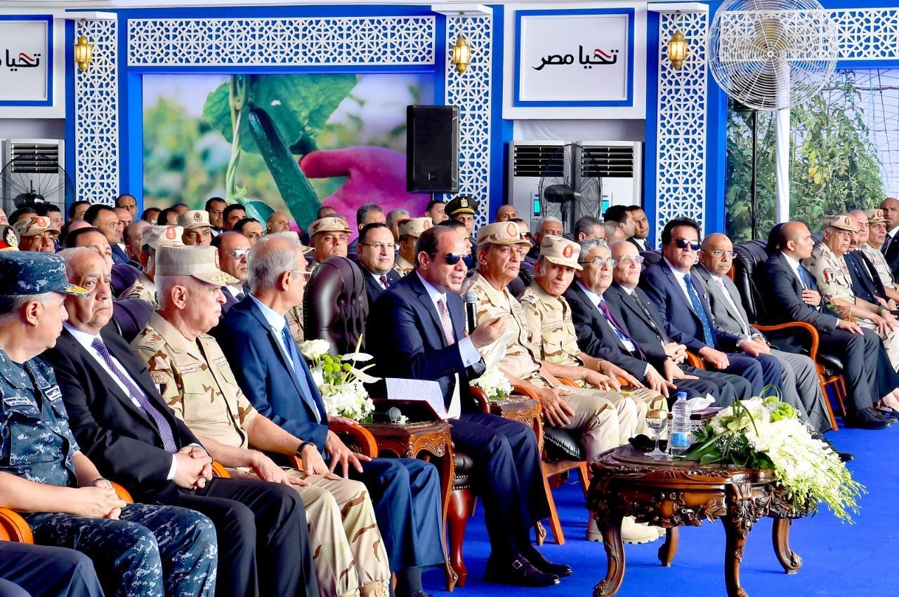 الرئيس السيسي  يفتتح الصوب الزراعية