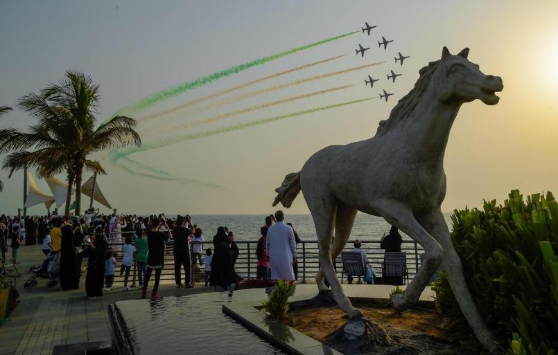 اليوم الوطني الـ89| بالصور .. «الصقور السعودية» تزين سماء المملكة
