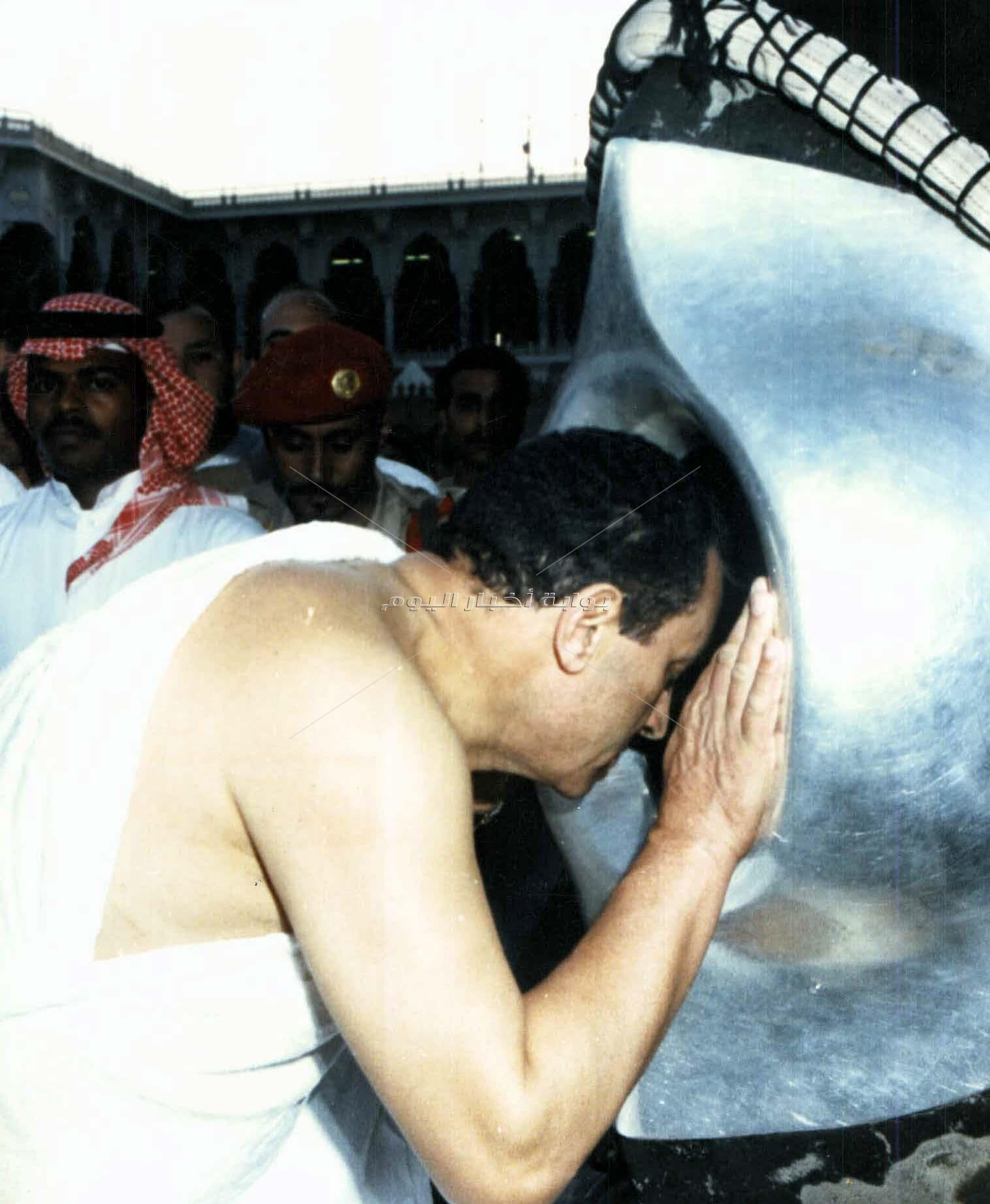 لقطات نادرة في حياة الرئيس الأسبق محمد حسني مبارك