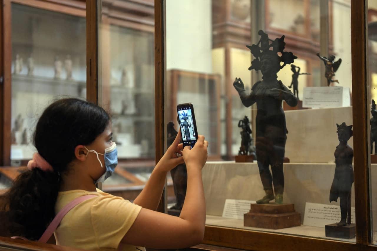 جولة خالد العناني وزير السياحة والآثار بإعادة فتح المتحف المصري بالتحرير اليوم