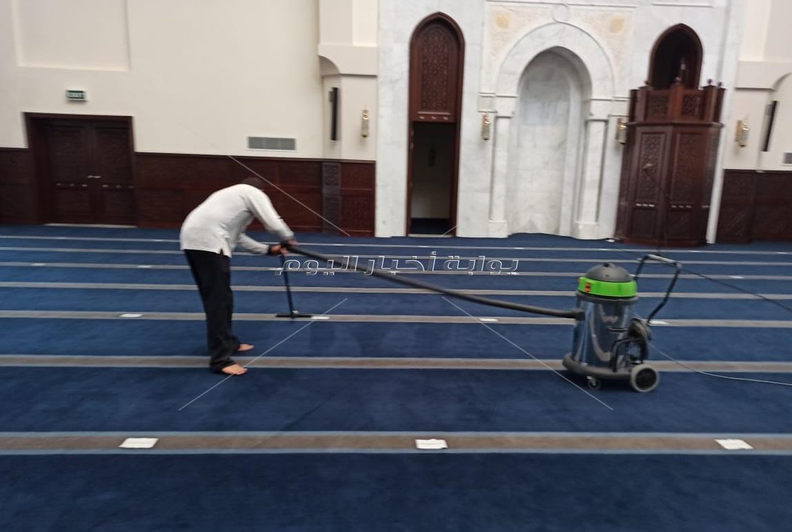 استمرار تعقيم وتطهير المسجد الجامع في مدينتي