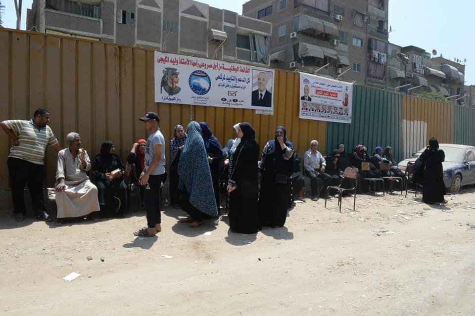 على «دكة عم شحتة» سيدات المنيرة والبوهي يتجمعن للتصويت في انتخابات الشيوخ
