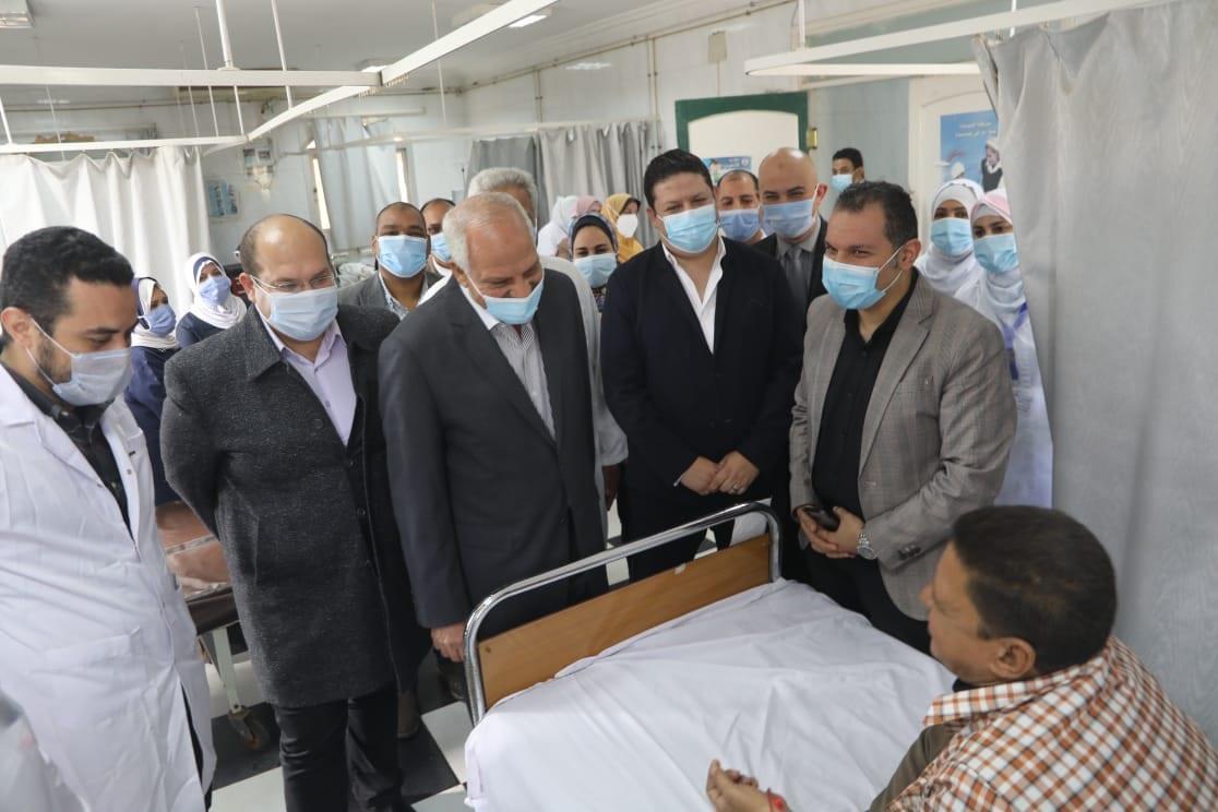 محافظ الجيزة يتفقد مستشفى أوسيم