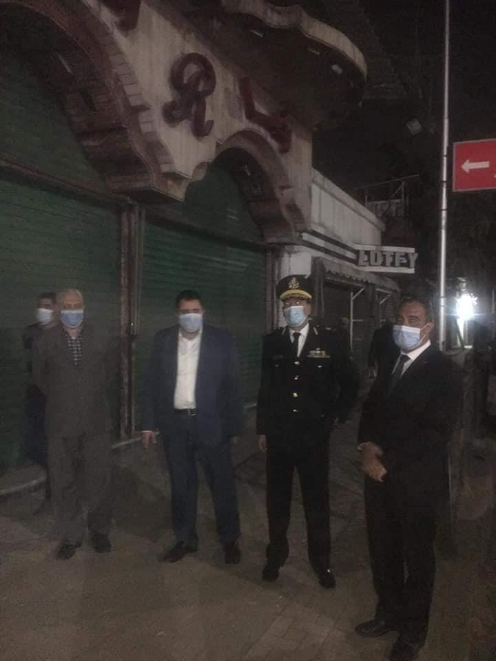 نائب محافظ القاهرة يتابع تنفيذ قرار غلق المحلات بالمنطقة الشمالية