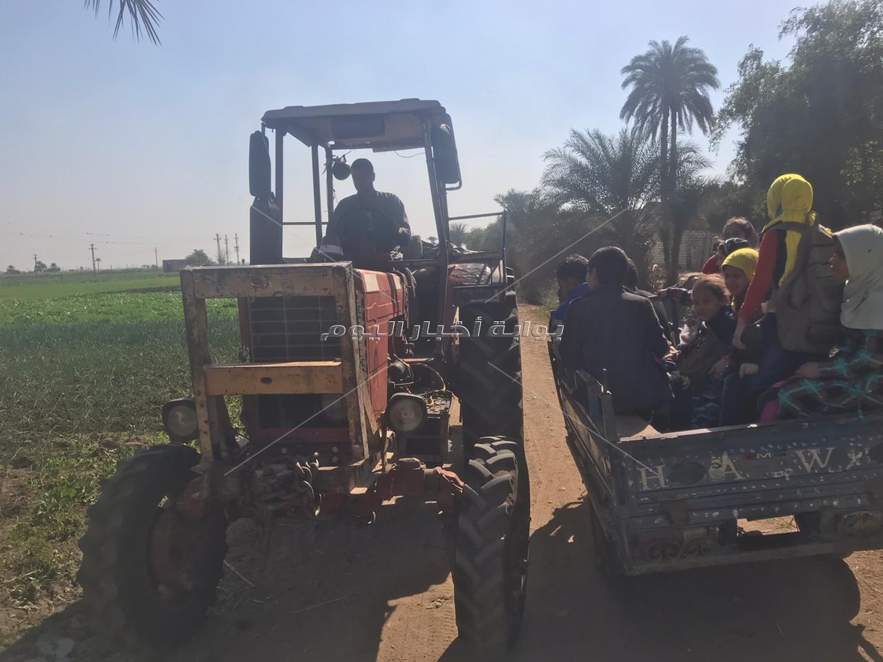 أهالي قرية عرب أبوقلتة يستغيثون بمحافظ المنيا قريتنا بلا طرق
