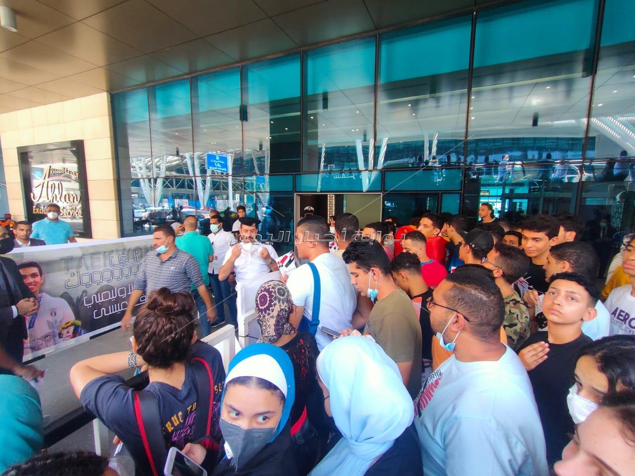 وصل منذ دقائق أبطال التايكوندو المصري هداية ملاك وسيف عيسي إلى مطار القاهرة