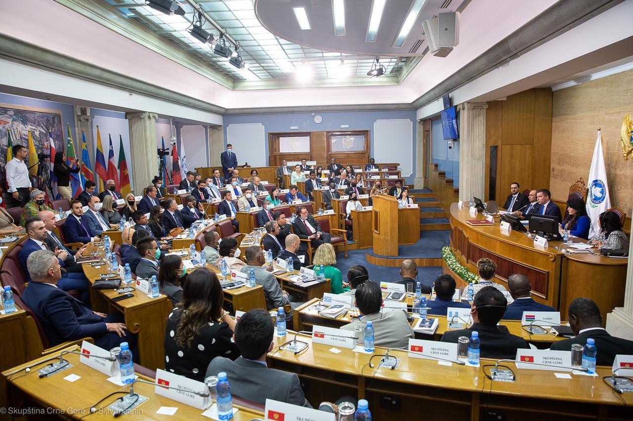 هاجر أبو جبل أول رئيسة للجمعية العمومية للمجلس العالمي للتسامح والسلام