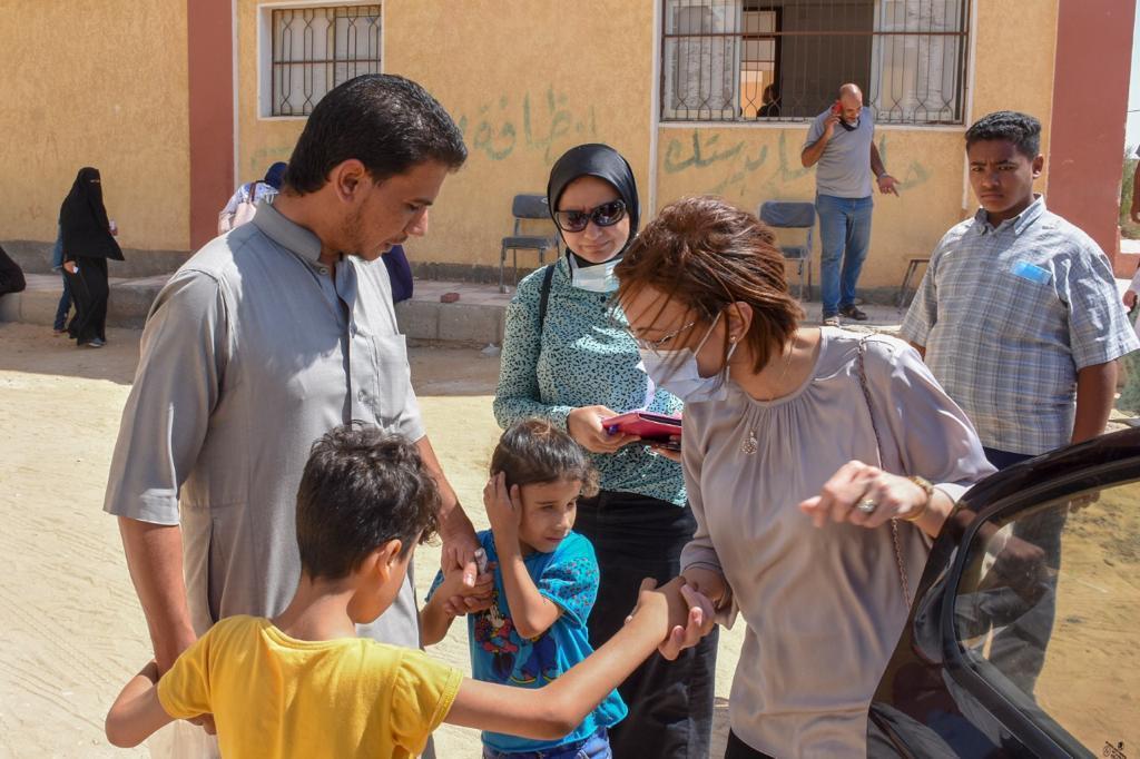 """نائب محافظ الإسكندرية تشارك في قافلة مجتمعية وطبية لأهالي قرى """"حياة كريمة"""""""