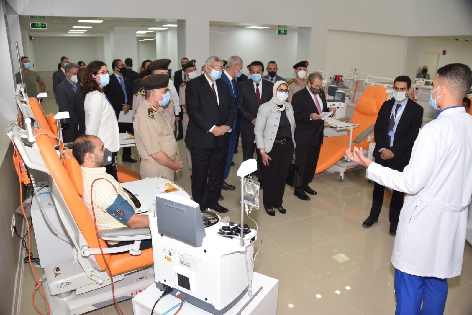 افتتاح أول مركز لتجميع البلازما بالتعاون بين القوات المسلحة و«جريفولز»