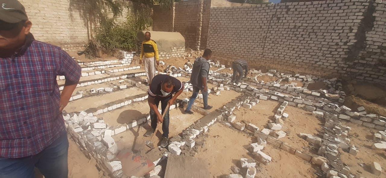 إزالة 21 مقبرة دون ترخيص