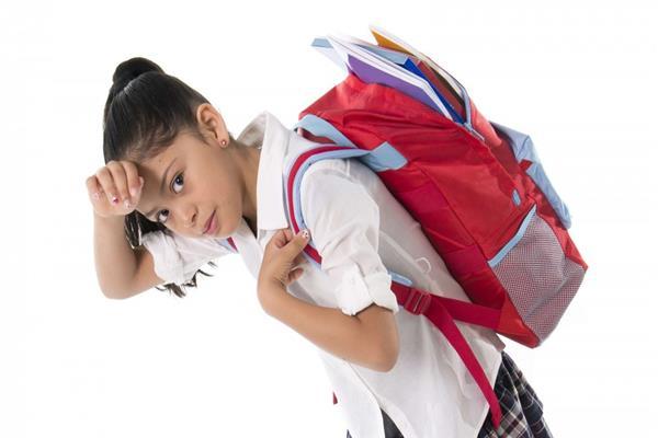 2b964019cf9f0 قبل شراء حقيبة المدرسة.. 13 نصيحة لحماية طفلك من آلام الظهر