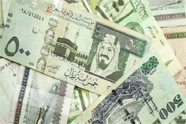 5 دولار كم ريال سعودي