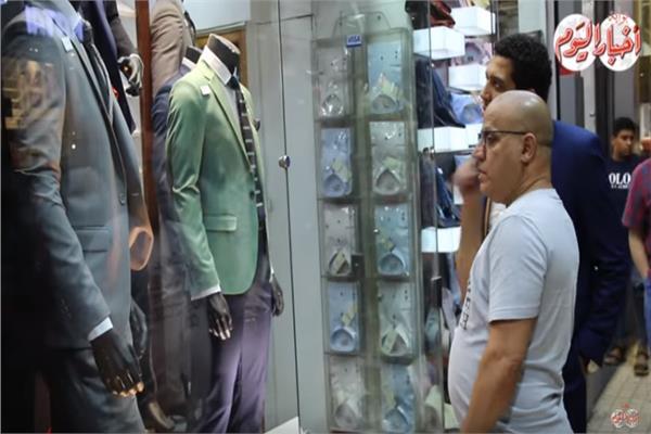 4f425f220 فيديو| أسواق ملابس العيد لـ «الفرجة فقط».. أسعار غالية وإقبال ضعيف ...