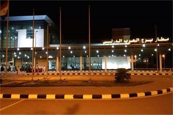 ef354aeb7 إحباط محاولة تهريب هواتف محمولة ونقد أجنبي بمطار برج العرب. مطار برج العرب