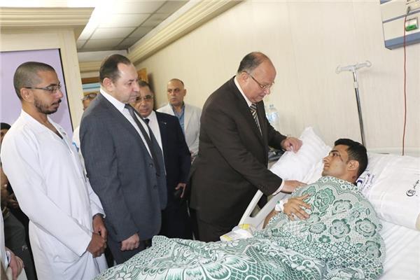 نتيجة بحث الصور عن محافظ القاهرة يتفقد مصابى حادث معهد الأورام