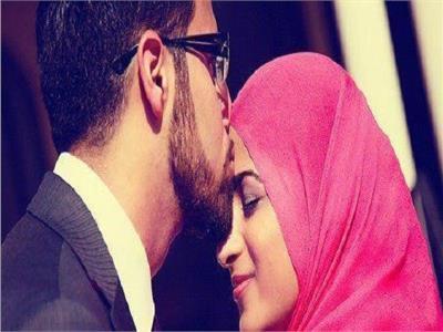 حكم تقبيل المرأة في رمضان